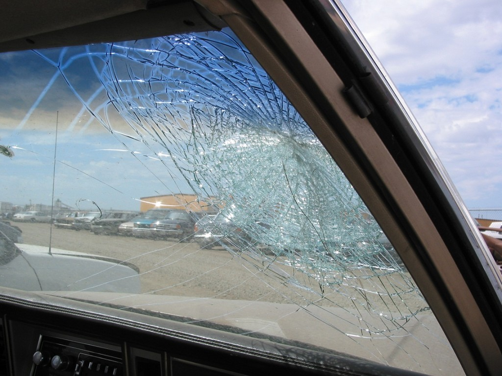 windshield_damage